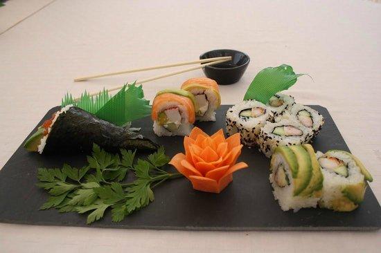 Malibu Restaurant : Mixed sushi