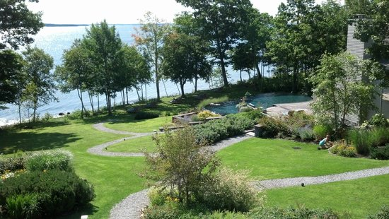 Inn at Ocean's Edge: View of grounds from Main House