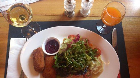 Restaurant Taverne - Hotel Interlaken: Interlaken - Restaurant Taverne - daily lunch for 18.50 CHF