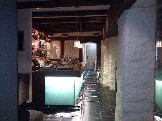 Restaurant Taverne - Hotel Interlaken: Interlaken - Restaurant Taverne - bar