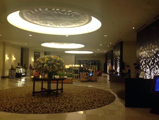 Taal Vista Hotel: The main lobby.