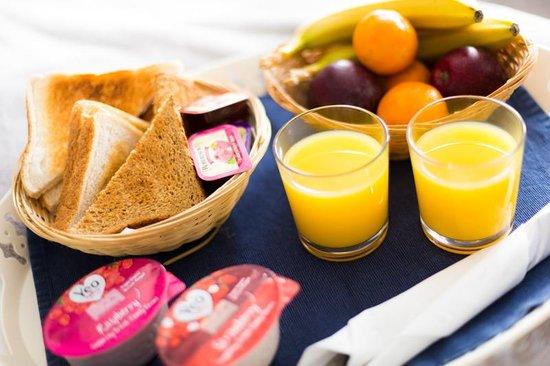 Holmlea Guest House: Complimentary breakfast