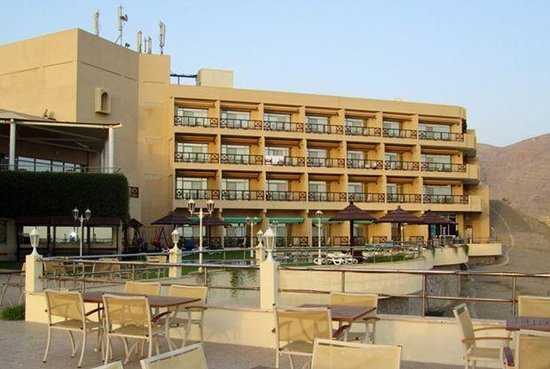 Atana Khasab: View of the Hotel from the deck