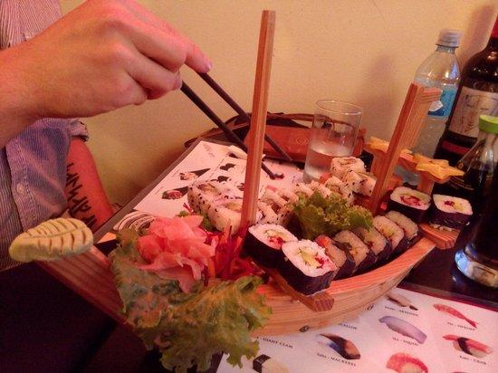 Musashi Japanese Restaurant : Sushiboat!