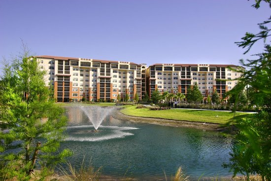 Holiday Inn Club Vacations Orlando - Orange Lake Resort: Beautiful landscaping and scenary throughout the resort