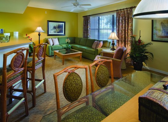 Holiday Inn Club Vacations Orlando - Orange Lake Resort: Separate living and dining areas to enjoy