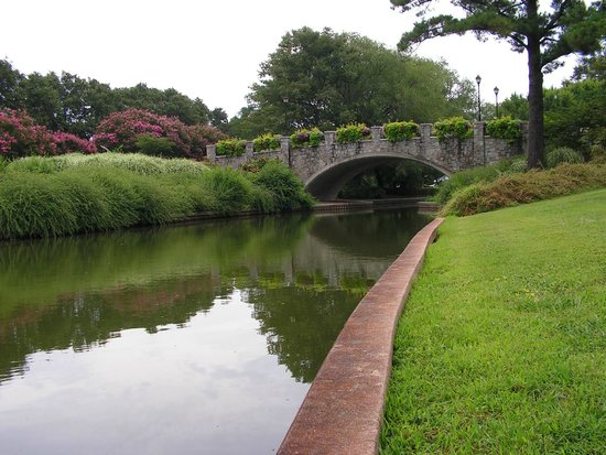 Norfolk Botanical Garden : Canal