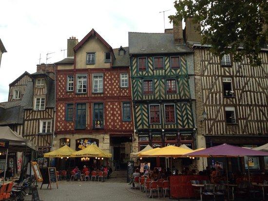 Centre Historique de Rennes : Площадь Святой Анны