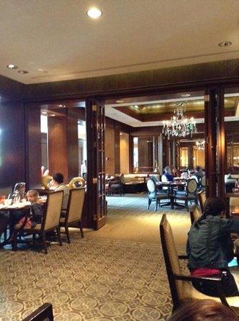 Swann Lounge & Cafe: зал