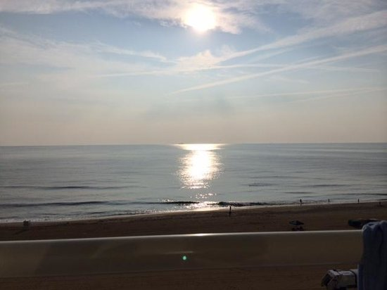 Fairfield Inn & Suites Virginia Beach Oceanfront: sunrise