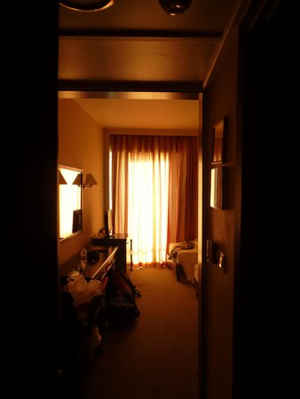 Margarona Royal Hotel: Room at sunset