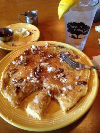Tupelo Honey Cafe : Sweet potato pancakes