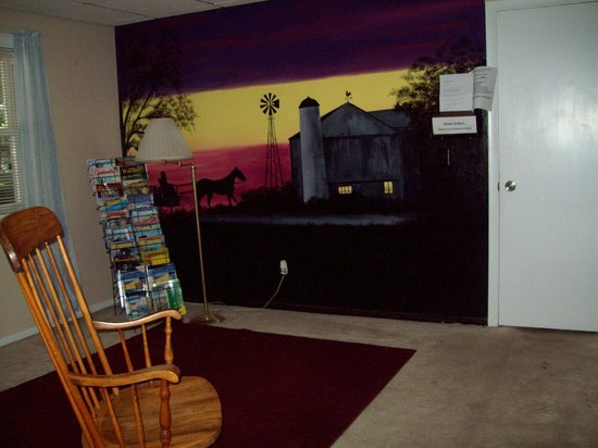 PA Dutch Country RV Resort: i Wall mural in the adult lounge