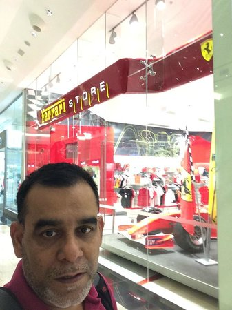 Metropolitan Hotel Bahrain : bahrain airport duty free