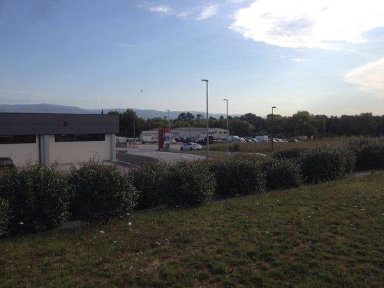 Inter-Hôtel Carcassonne-Pont Rouge: L' Hotel è nella zona industriale: i dintorni