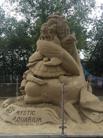 Mystic Aquarium: sand sculpture