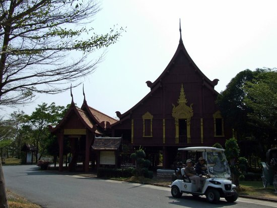 Ancient City (Mueang Boran): 12