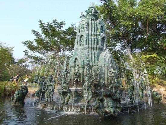 Ancient City (Mueang Boran): 11