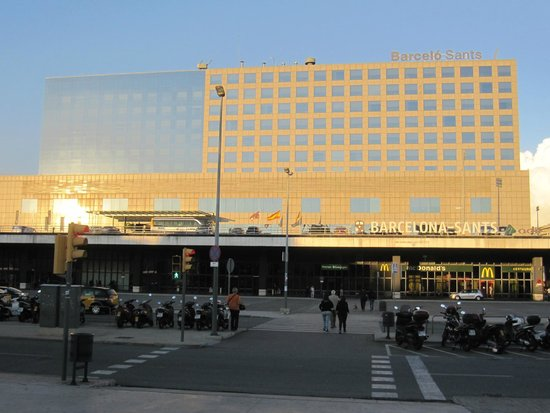 Barcelo Sants: Edificio del hotel