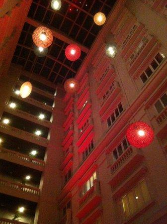 Hotel de l'Opera Hanoi: Innenhof