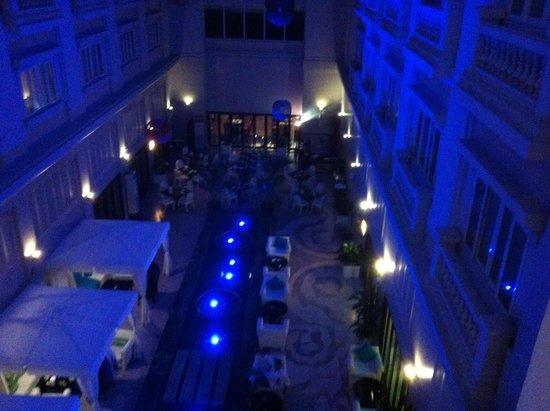 Hotel de l'Opera Hanoi - MGallery Collection: Innenhof