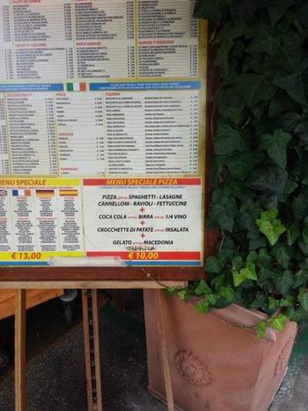 La Caravella: Menu przed wejściem