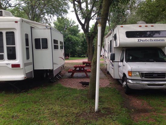 Red Barn RV Park: Site 17. They sure do pack them in here tight.