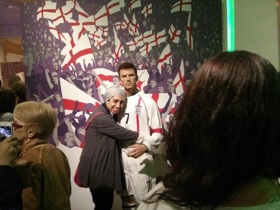 Madame Tussauds London: Please note the crowd everywhere!