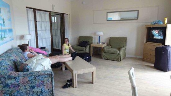 Long Key Beach Resort & Motel: Living Area