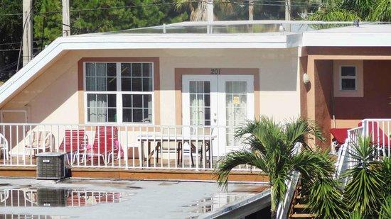 Long Key Beach Resort & Motel: From outside