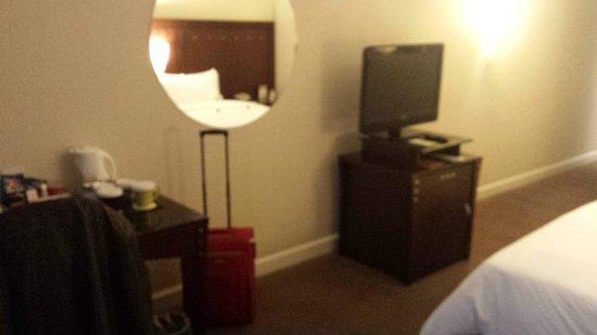 Radisson Hotel Curitiba: Mesa com TC