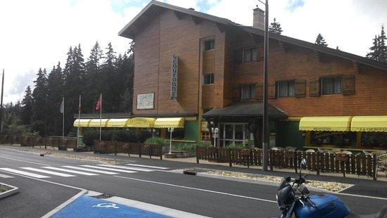 Hotel de la Couronne : Vu du parking
