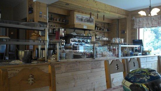 Hotel de la Couronne : Bar