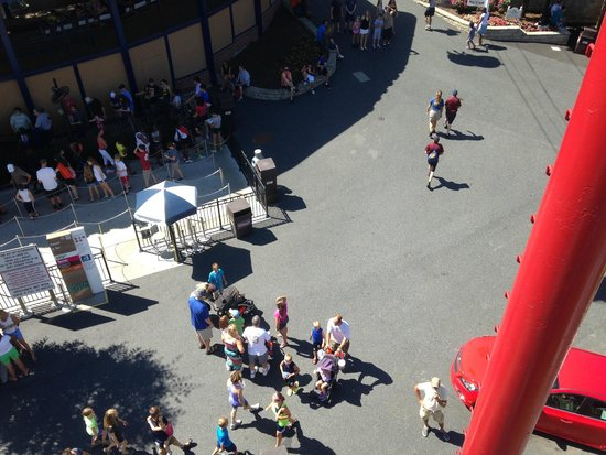 Hersheypark : View from the Skyride (ski lift type ride over the park)
