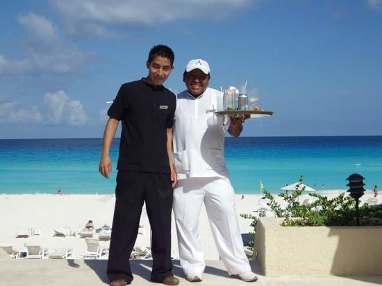 Live Aqua Cancun All Inclusive: Excellent service from fabulously friendly people