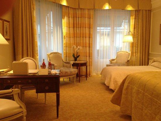 Four Seasons Hotel George V Paris : Suite