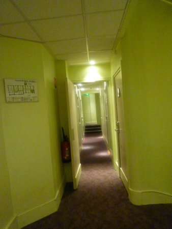 ibis Styles Mâcon Centre : Couloir