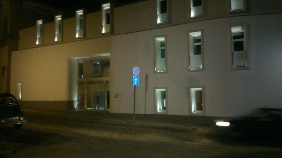 Moov Hotel Evora : Façade de l'hôtel