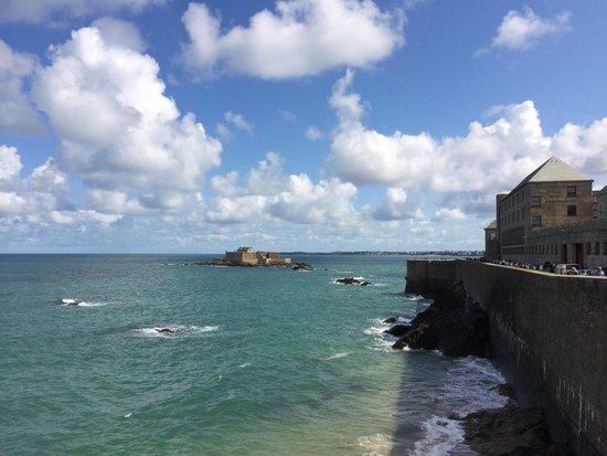 Les Remparts de Saint-Malo : .