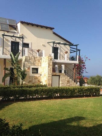 Antilia Apartments: The Apartments