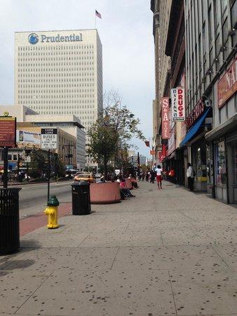 Courtyard Newark Downtown: Area surrounding hotel