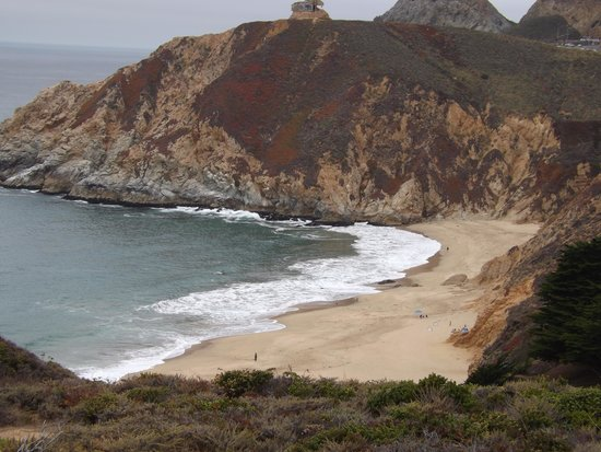 Gray Whale Cove State Beach: views!