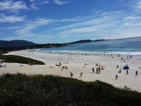 Carmel City Beach / Carmel River Beach: An active beach