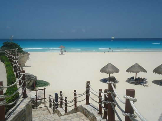 Grand Park Royal Cancun Caribe: Vista do quarto