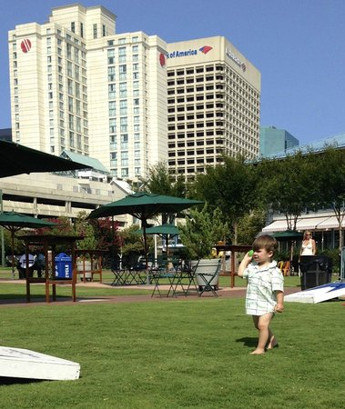 Norfolk Waterside Marriott: We played at a nearby park. You can see the hotel is right there, a block away.