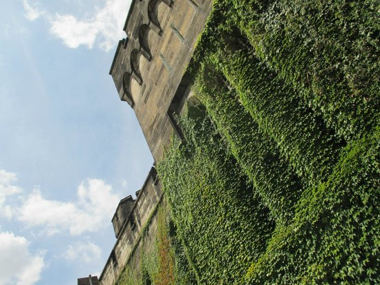 Eastern State Penitentiary : outside walls