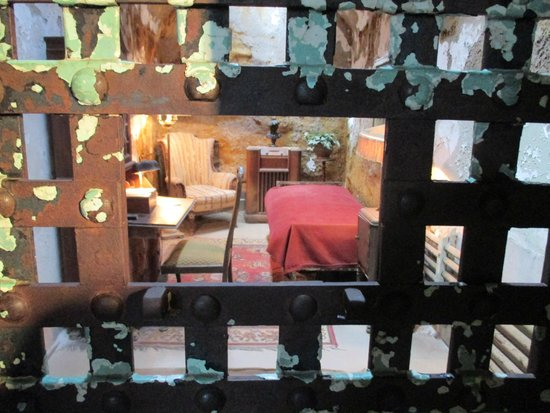 Eastern State Penitentiary : al capone's cell