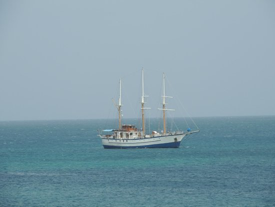 Bay Gardens Beach Resort: Our ship at anchor in front of the hotel