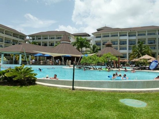 Secrets Wild Orchid Montego Bay: One of the non-member pools