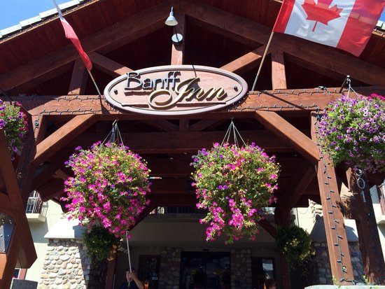 Banff Inn: Lovely flowers